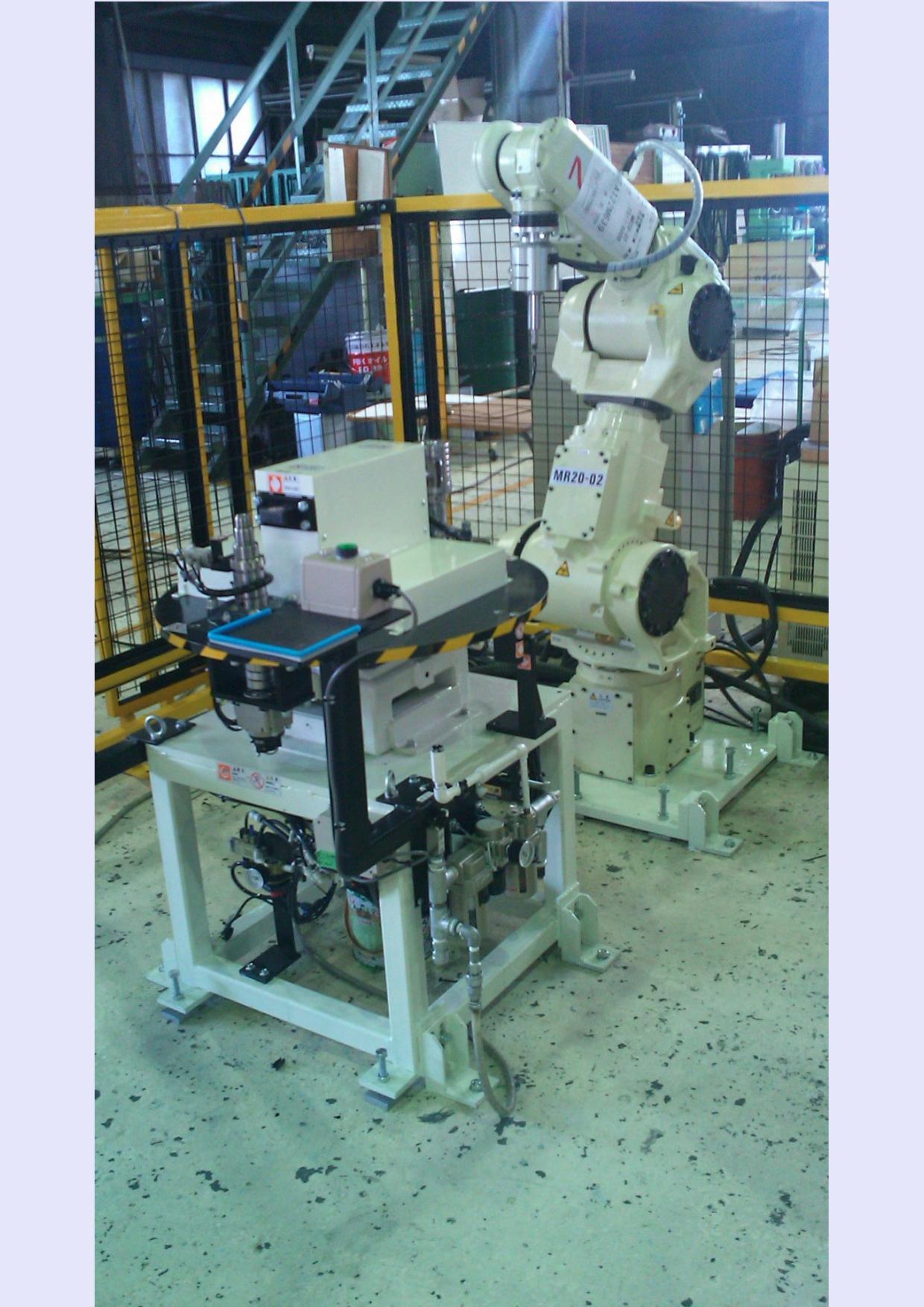 バリ取り7軸多関節ロボット