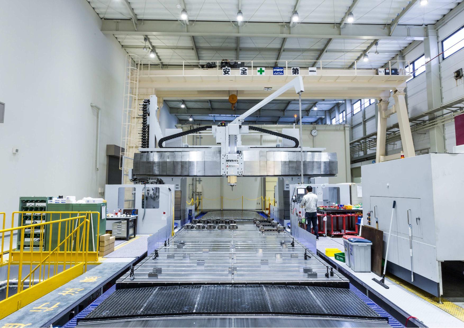 クリスタル光学 大型設備対応 切削加工