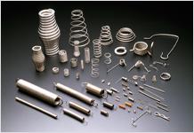 SUS316以上の耐食性と機械的特性を有するばね用ステンレス鋼線