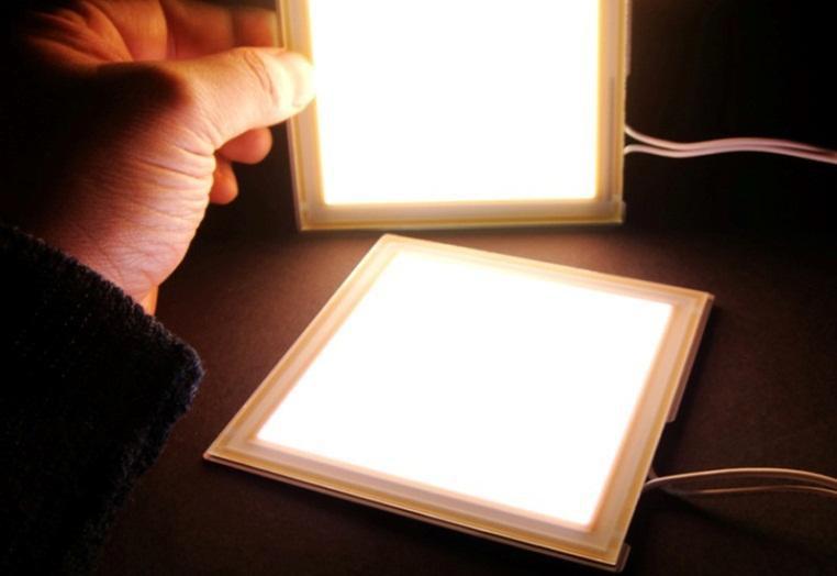 Lumiotec 「有機EL照明」