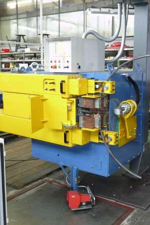 縦型バット溶接機